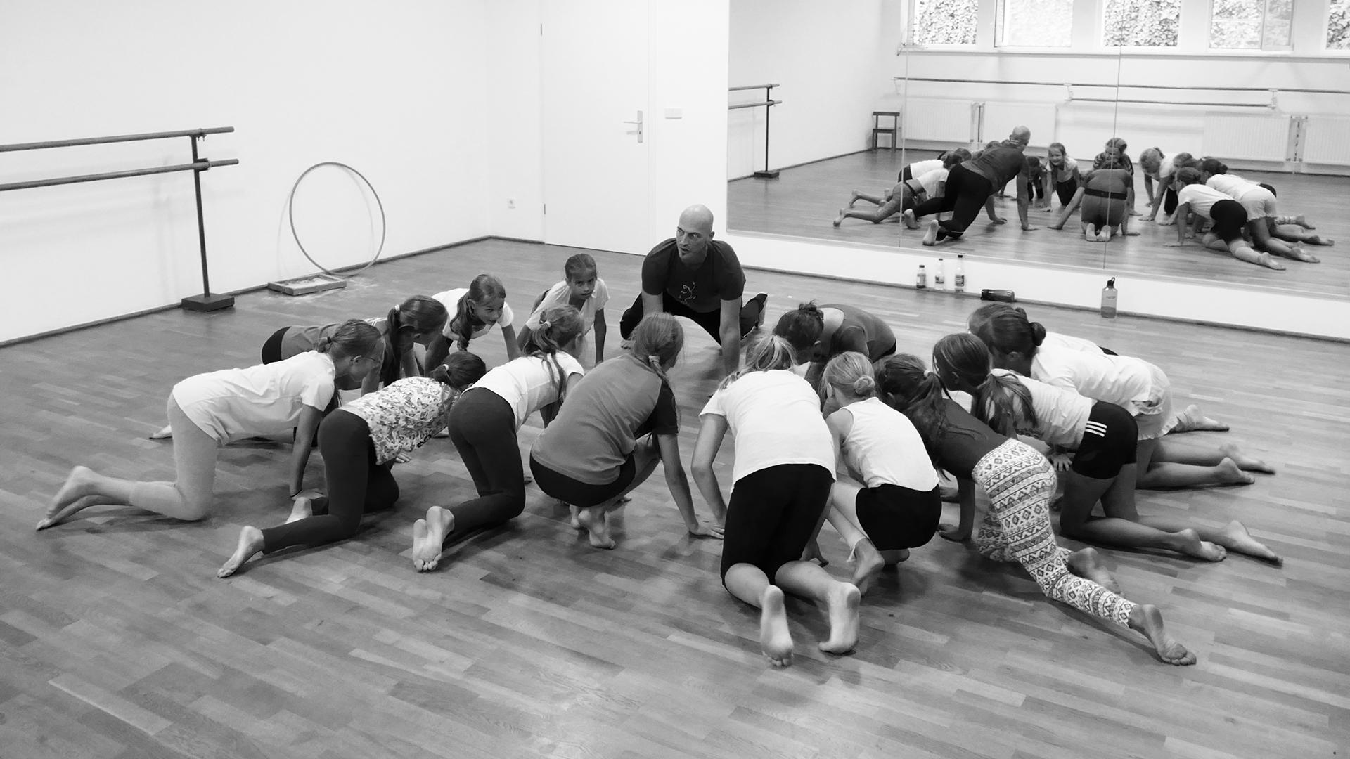 Matthias-Markstein-Kindertanz-Studio-Tanz-Kids-and-Teens-und-Workshop-Bildung-Tanz-Foto-Ralf-Schlösser